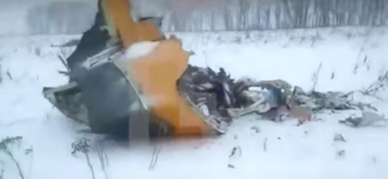 Orosz repülőkatasztrófa: egy hétig is eltarthat a holttestek felkutatása
