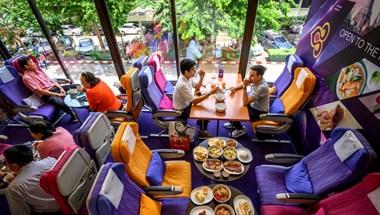 Étteremmé alakított repülők, sehová sem tartó járatok: így küszködik a légiipar