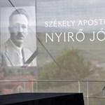 Arra kérik Kövért, hogy politikamentesen temessék újra Nyírő Józsefet
