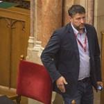 Kitüntetést kapott a költségvetési csalással gyanúsított fideszes képviselő