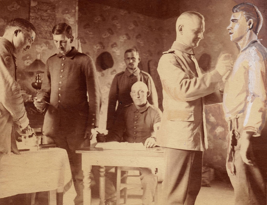 afp. Somme-i csata - German soldiers are vaccinated by a doctor at the Somme. The Battle of the Somme took place from 01 July to 18 November 1916 and is considered one of WW I's battles with the most losses. (Poor quality due to historic original - Origin