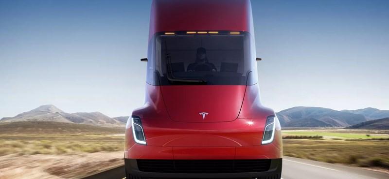 Rögtön 40 darab Tesla villanykamiont rendelt a világ legnagyobb sörcége