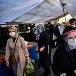 Törökországban két hét után ismét durván megugrott a fertőzöttek száma