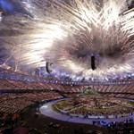 A londoni olimpia lebilincselő megnyitója - Nagyítás-fotógaléria