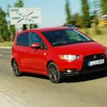 A Volkswagennél is nagyobbat bukik a Mitsubishi