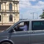 Orbán maga ült a volán mögé és testőrt se vitt magával