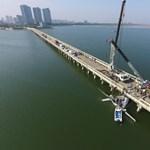 Hídnak ütközött egy kínai hidroplán, öten meghaltak – fotók