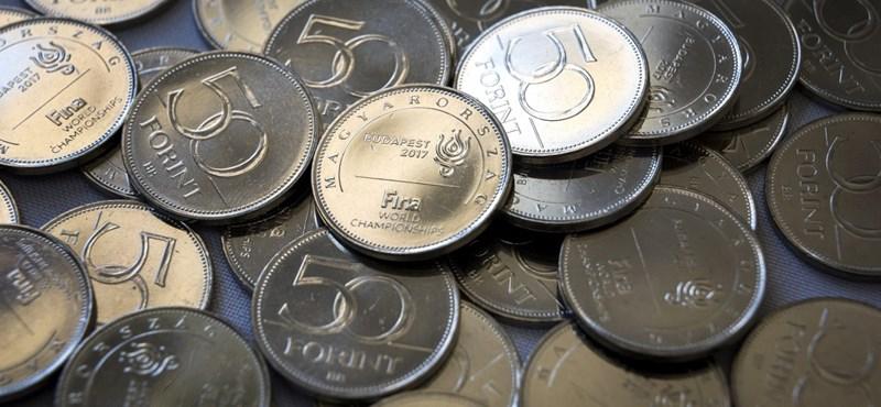 A kormány a 330-as euróról: a sajtó fújja fel, a lakosság nem is érzékeli