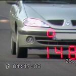 Ezért nincs értelme a gyorshajtásnak: ennyi időt nyerhet, ha 130 helyett 160 km/h-val repeszt az autópályán