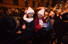 A fehérsapkás magyarokkal mutatja be a Guardian a populizmus elleni mozgalmat
