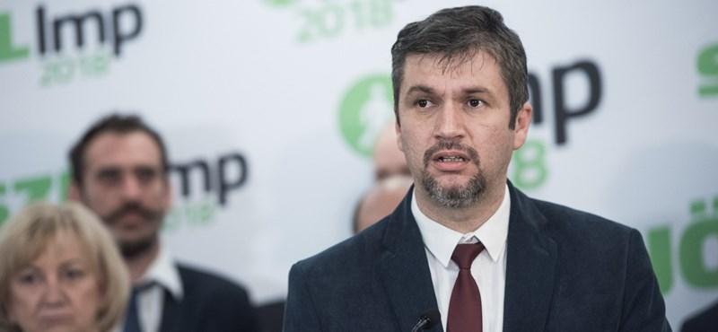 Hadházy Ákost minden pártbeli tisztségtől eltiltotta az LMP