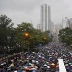 Amnesty International: tüntetőket kínoztak meg a hongkongi rendőrök
