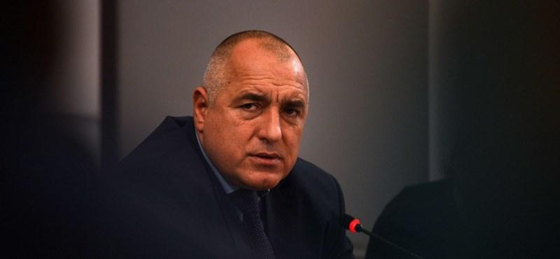 Elsodorták a bolgár kormányt a tömegtüntetések