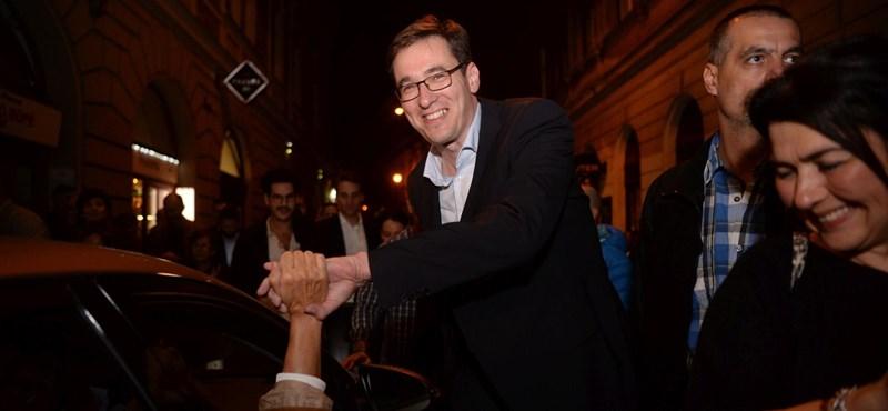 Az ellenzék győzelméről írnak az angolszász lapok
