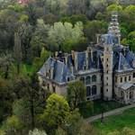 Meghalt egy munkás a turai kastély felújításánál