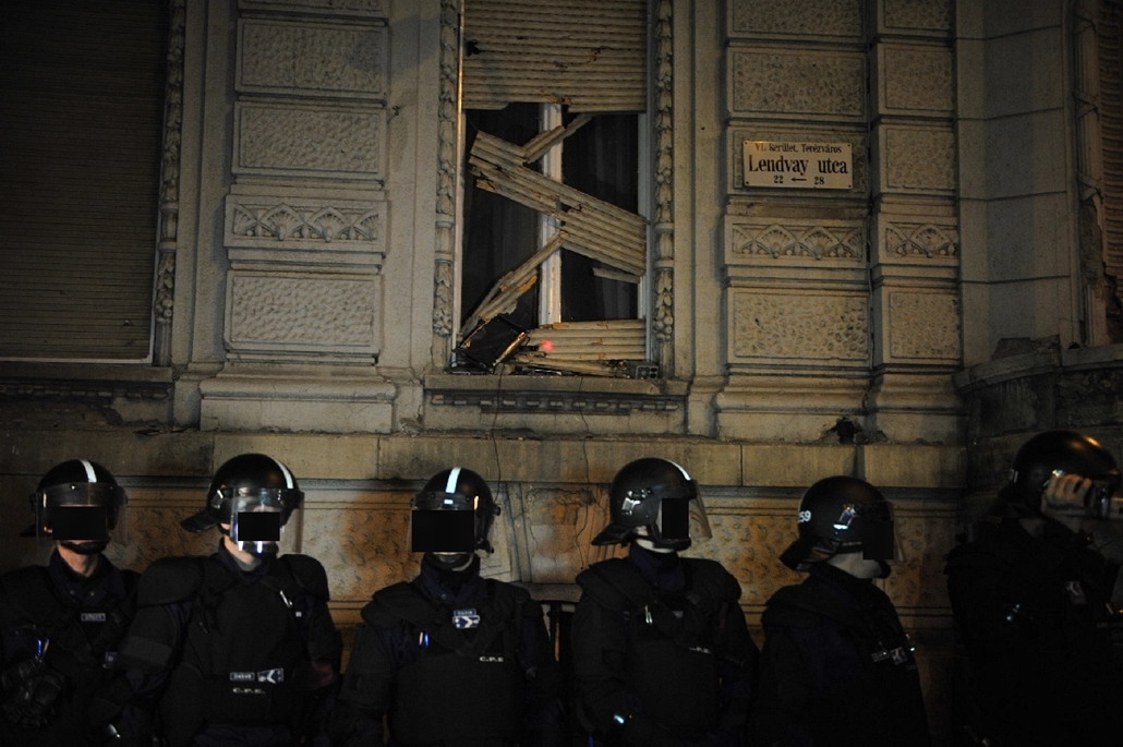 tg.14.10.26. - Százezren az internetadó ellen - tüntetés az internetadó bevezetése ellen