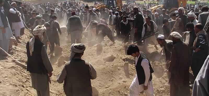 """Megölték az afgán """"tálibok atyját"""" Pakisztánban"""