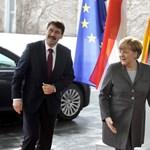 Merkel megmondta a magáét Ádernek