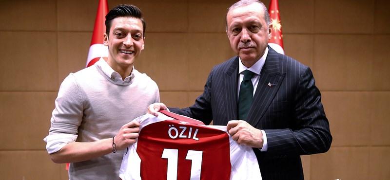 Özil otthagyta a német válogatottat