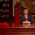 Két nagyon fontos könyvet szúrtak ki a kínai elnök beszéde közben a polcon, rögtön beindultak a találgatások