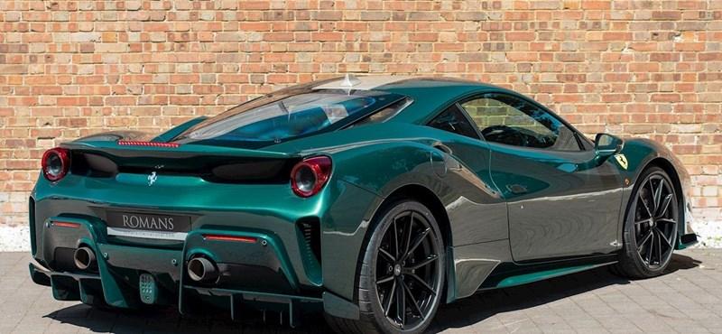 Csak az extrák kerülnek 57 millió forintba ezen a használt Ferrarin