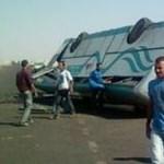 Ezt látták az egyiptomi buszbaleset helyszínén