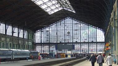 Szombattól egy hónapig zárva lesz a Nyugati pályaudvar, szünetel a forgalom is