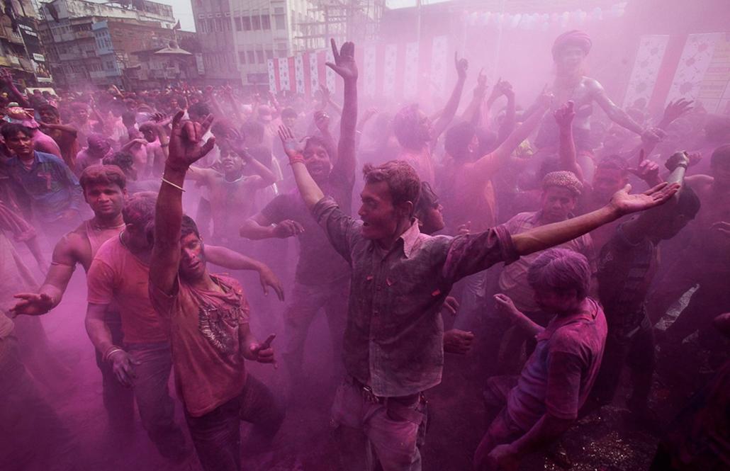 nagyítás holi színünnep Indiában India