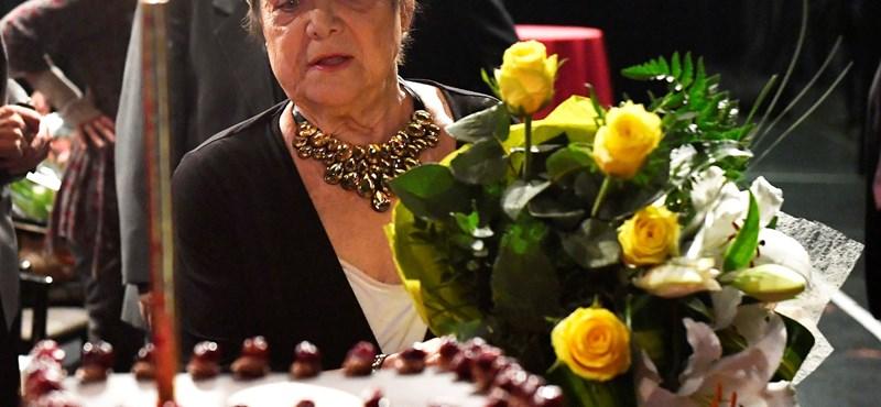 Vágási Feri is felköszöntötte a 80 éves Etust – fotók