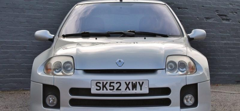 16 éves ez a kis Renault Clio, mégis 8 millió forintot érhet