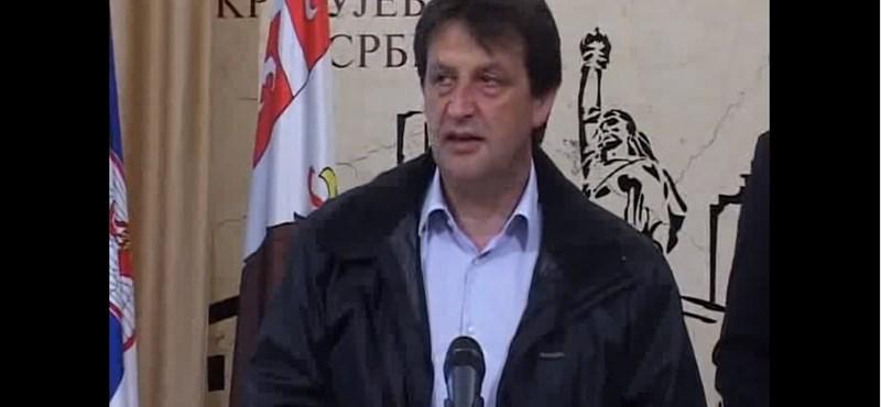 Bunkó beszólása miatt menesztik a szerb védelmi minisztert