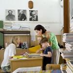 OktpolCafé: hogyan államosítaná a kormány a tankönyvpiacot?