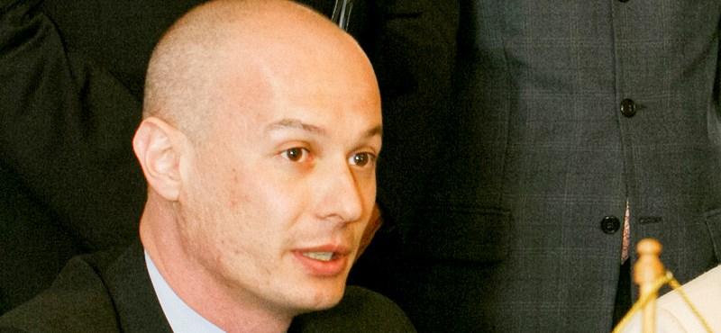 Öt év börtönre ítélték a román parlament volt elnökét