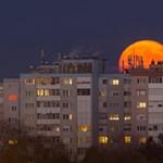 Hirtelen sokat öregedett a Hold