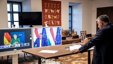 """Orbán Merkelnek: """"Amit kérsz tőlem, Angela, az az öngyilkossággal egyenlő"""""""