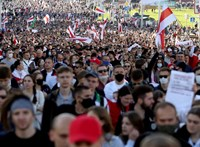 Újabb óriástüntetést tartottak Fehéroroszországban, Lukasenka fia már Moszkvában