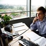 Milyen szakmát érdemes választani, ha az irodai munkától kiver a víz?