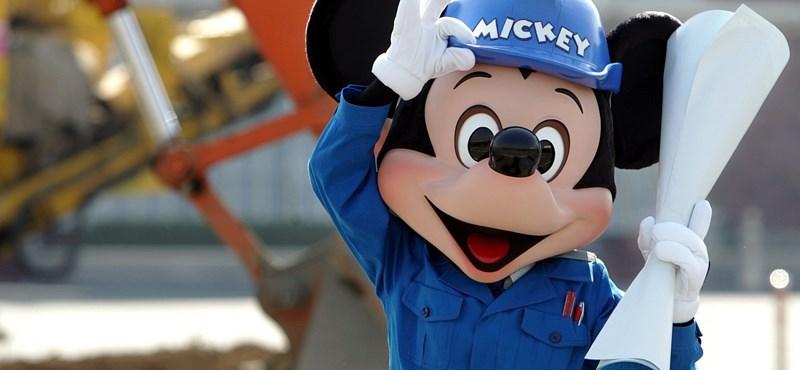 Újra megnyílt a Disneyland, de Miki egeret már nem lehet megölelni