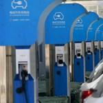 Elképesztő számokat produkál megint Kína: 700 ezer elektromos autóval bővülnek idén