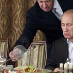 A járvány ellenére Putyinéknál is jól működik a helyi NER