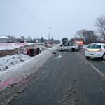 Fotók: súlyos balesethez vezetett a vakmerő előzés