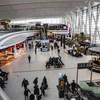 Magas lázzal vitték kórházba a Kínából érkező repülő elsőtisztjét Budapesten