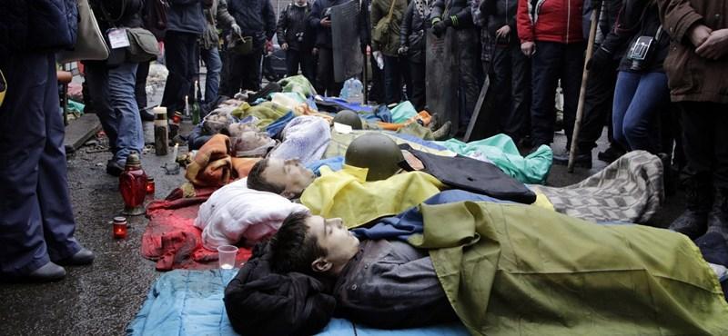 Posztumusz kitüntették a Majdanon elesett tüntetőket