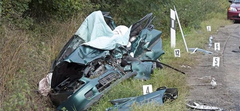 Egyetemi tanárok haltak meg a hétvége legszörnyűbb balesetében