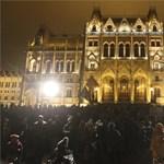 A tüntetés napján is megpiszkálta a Tanítanék Mozgalmat a kormány