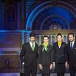 Divatbemutató volt a MÁV-nál az új egyenruhákból – fotók