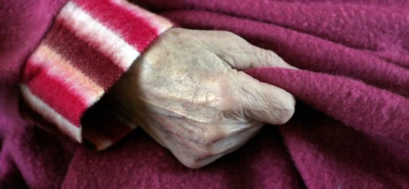 Elhunyt egy idős férfi koronavírusban, aki a tatabányai kórházban kaphatta el a vírust