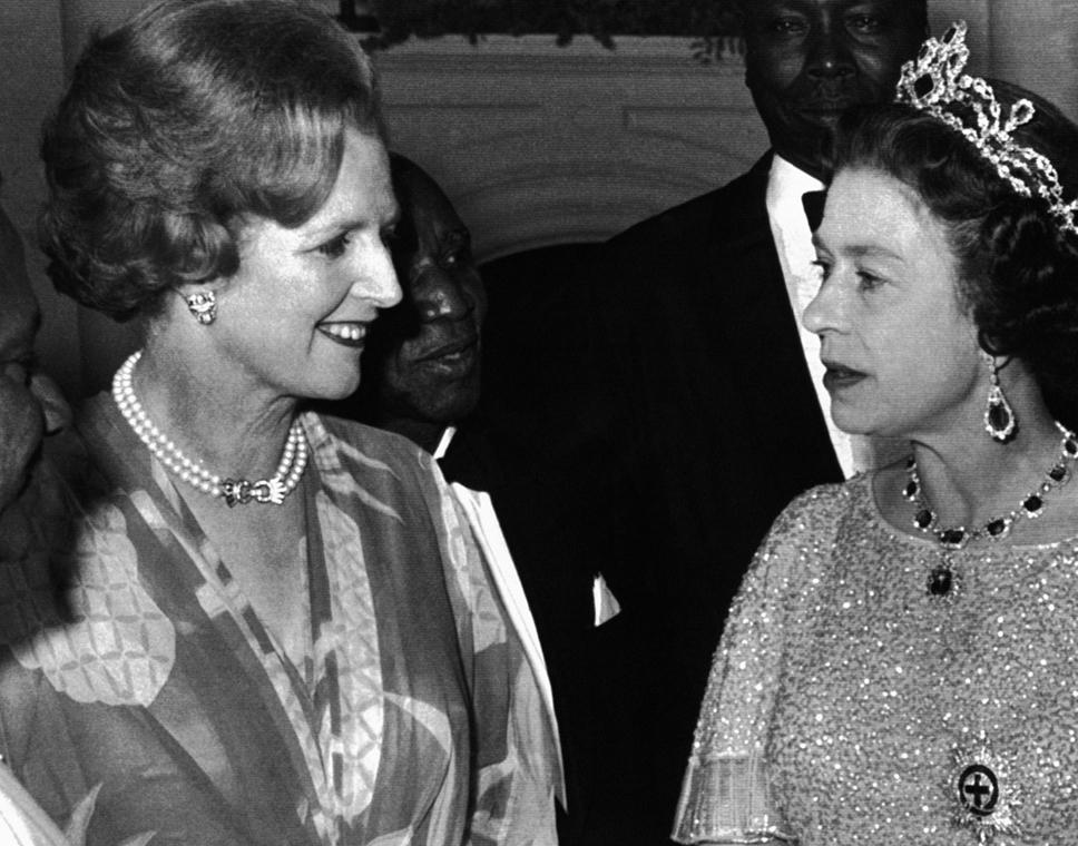 1979. augusztus elsején készült kép II. Erzsébet brit uralkodóról (j) és Margaret Thatcher brit kormányfőről a Brit Nemzetközösség tagállamainak zambiai konferenciáján Lusakában.