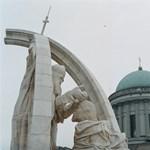 Az esztergomi bazilika felrobbantásával fenyegetőzött egy férfi