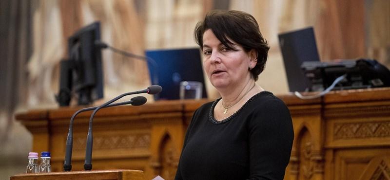 Kizárnák a Jobbikból Varga-Damm Andreát